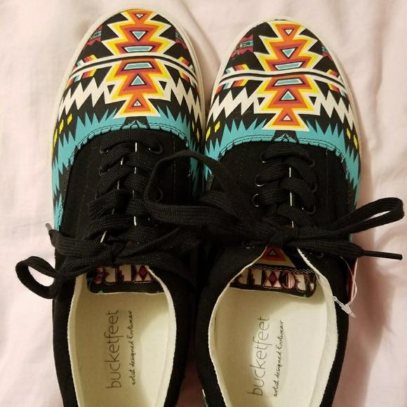 90bb9b9f7d Bucketfeet Archer Canvas Shoes. Size 9